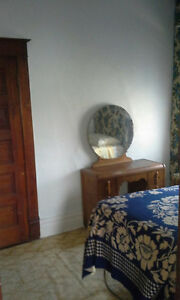 Bright furnished one bedroom apartment.