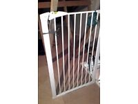 Extra tall dog and puppy safety gate
