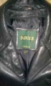 DANIER BLACK LEATHER CAR COAT SIZE XL IN EXCELLENT CONDITION