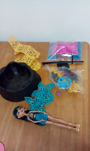 monster high cleo doll and beach furniture