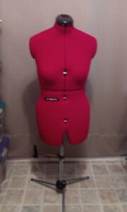 DIANA DRESSFORM--Size A--DRESS SIZE 8 - 14