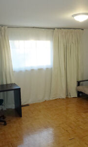ROOM FOR RENT IN NORTH ETOBICOKE ( FEMALE ONLY)