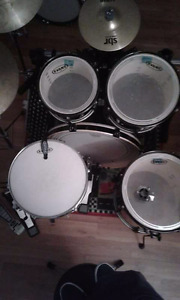Pearl ex drum set with hardware