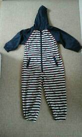 Boys puddle suit aged 4-5