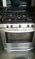 Kenmore Five burner gas stove