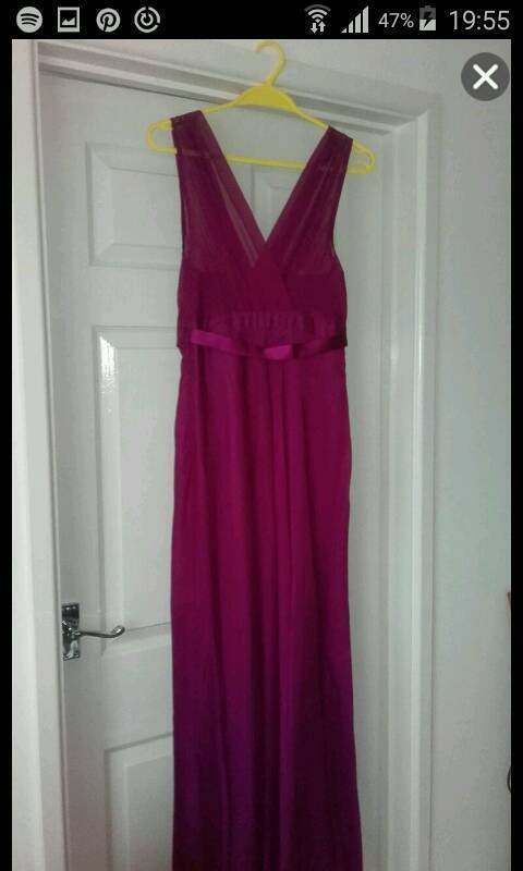 Evening Dress size 12in Falmouth, CornwallGumtree - Beautiful, fuscia coloured evening dress. Worn once. Had been dry cleaned