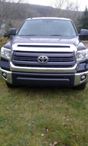 2014 Toyota Tundra SR5-Regular Cab Pickup Truck