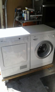 """Bosch Axxis 24"""" Stackable/Side By Side Washer/Dryer Combo"""