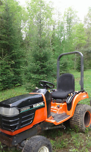 Kubota BX 2200 diesel tractor with attachments