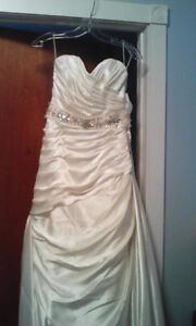Wedding dress $100.00