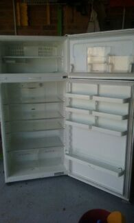 Fisher and Paykel Large Fridge Thornton Maitland Area Preview