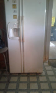Excellent Fridge and Stove