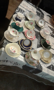 WIDE COLLECTION OF ANTIQUE TEA CUPS VARIOUS SHAPES COLOURS AND S