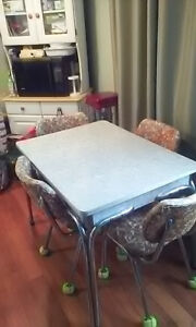 Retro  Kitchen Table &Chairs
