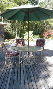 Patio Set only 3 chairs