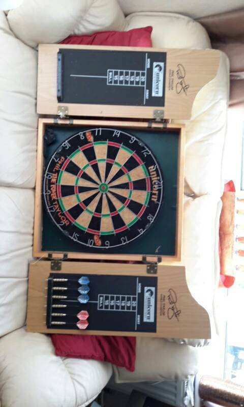 Phil 'The Power' Taylor UNICORN Dartboard with Cabinet