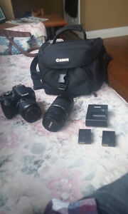 SELLING Canon EOS Rebel T5 Camera Bundle, Used for one season.