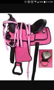 Pink synthetic western saddle