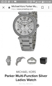 Michael Kors watch sized small w/out links 100$