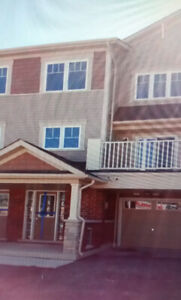Like new townhouse for rent in Oshawa
