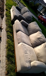 Curb alert: Free couch and love seat