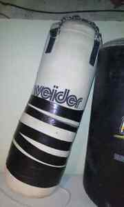 Weider 50 lbs punching bag