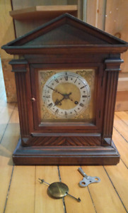Beautiful Antique Clock- WORKS WELL!