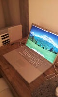 17 inch Apple Macbook Pro. Model A1261 Laptop