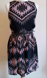 TOPSHOP Size 8 Black Pink Aztec Pattern Zip Skater cage Dress