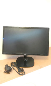 21.5 INCH LG MONITOR NEVER BEEN USED!!