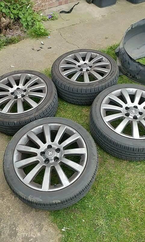 """Vauxhall 18"""" Twintop alloys"""