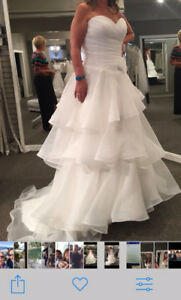 Gorgeous wedding Gown Purchased at Victoria Lane