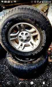 Set of 4 tires on rims- 265/70/16