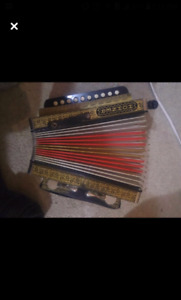 HOHNER 3 stop accordion