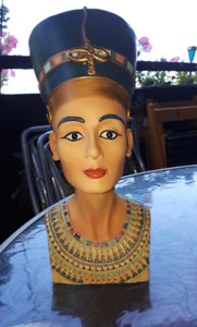Gorgeous Egyptian Queen Nefertiti head bust