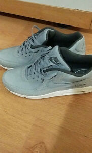 NIKE GRIS NEW