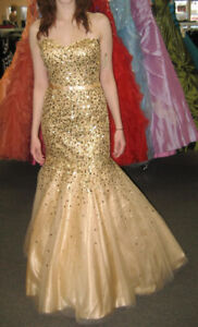 Beautiful dress for grad, prom, wedding etc - used only once