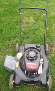 lawn mower tondeuse YARD MACHINES 3.8 HP 20'' cut coupe 148cc