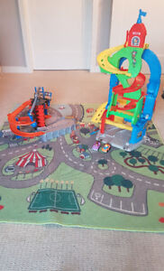 Hot Wheels Construction Zone, Sit and Stand car tower and Matt