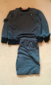 Nike top and bottoms size xl
