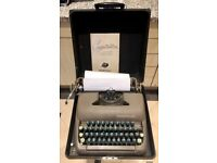 Typewriter Smith-Corona 1951 working condition with carry case & manual