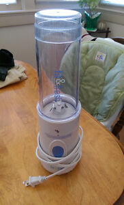 BLENDER (Fit & Fresh) includes lid and one blade