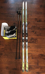Fisher Cross Country Ski Pkg - Mens - Used Once - Nice Skis