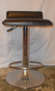 Hydraulic Bar Stool, chrome stand with black seat