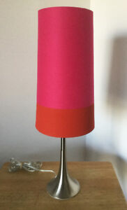 Belle lampe rose et rouge - Base en stanless