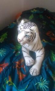 lot toutou tigre et jouet deveil