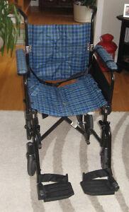 chaise roulante sant besoins sp ciaux dans grand montr al petites annonces class es de. Black Bedroom Furniture Sets. Home Design Ideas