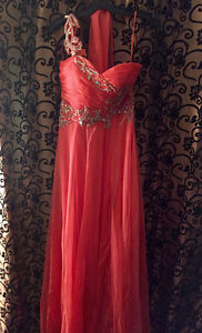 Prom and Grad dresses London Ontario image 5