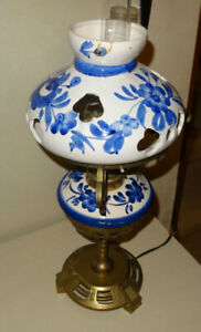 Beautiful Brass and Ceramic Table Lamp