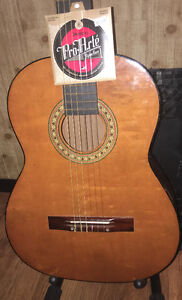 (MOVING SALE) GUITAR CLASSICAL